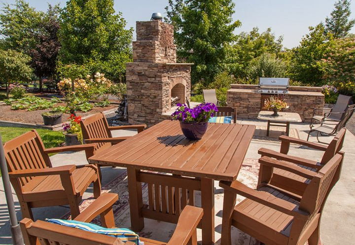 Paver Patio Contractor – Hiring the Best One is Easy with These Tips!